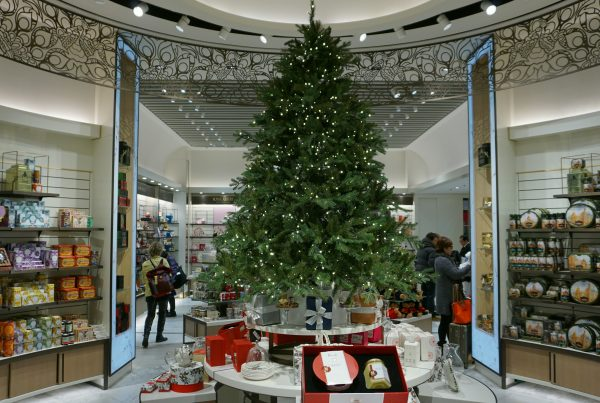 Larger than life Christmas tree airport installation